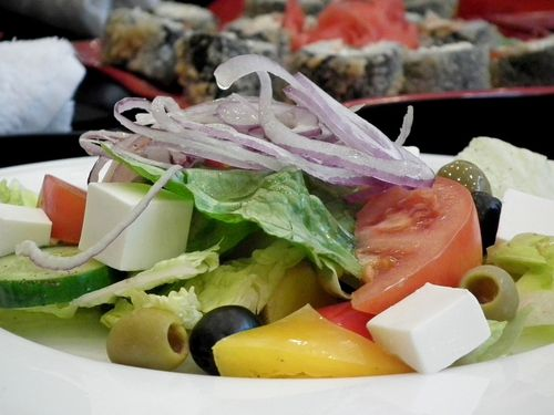 5 Лучших заправок для греческого салата в домашних условиях