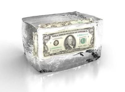 Банк не отдаёт вклады и заблокировал деньги ссылаясь на 115 ФЗ