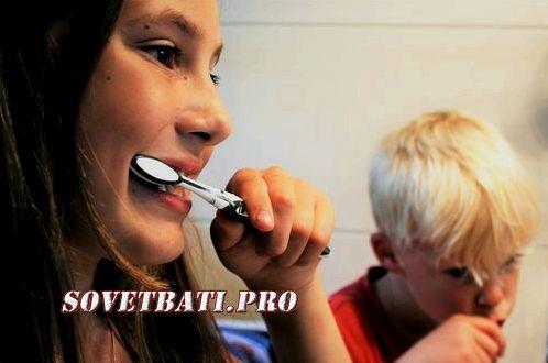 Как делается контролируемая чистка зубов с йодом